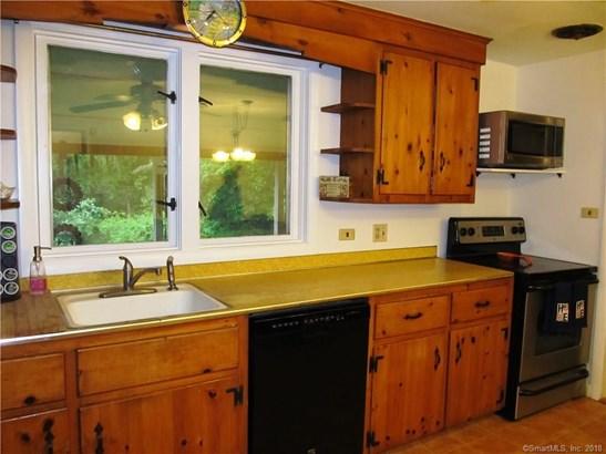 Single Family For Sale, Ranch - Orange, CT (photo 5)