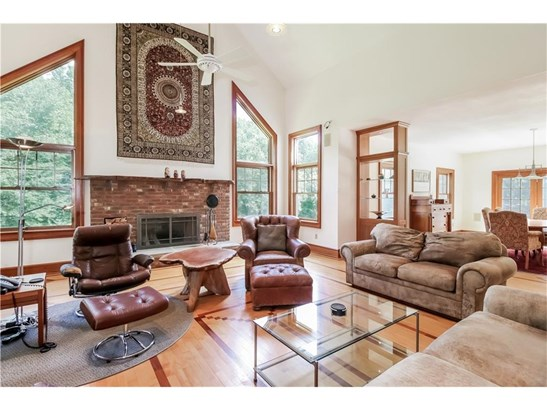 Single Family For Sale, Colonial,Contemporary - Hamden, CT (photo 4)