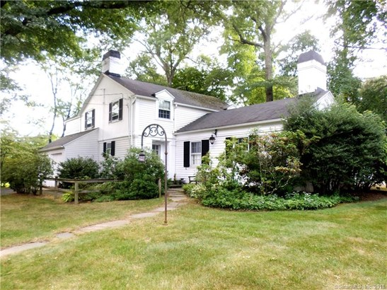 Single Family For Sale, Colonial - Hamden, CT