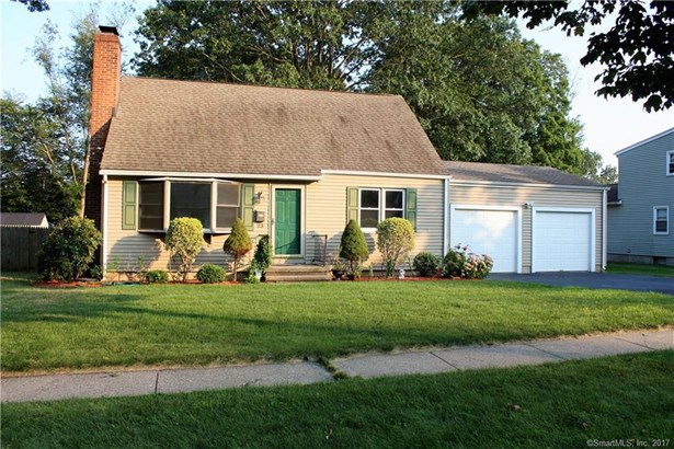 Single Family For Sale, Cape Cod - Milford, CT (photo 1)