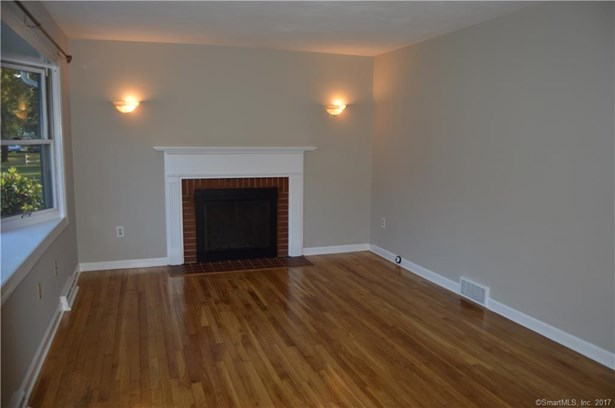 Single Family For Sale, Cape Cod - Milford, CT (photo 2)