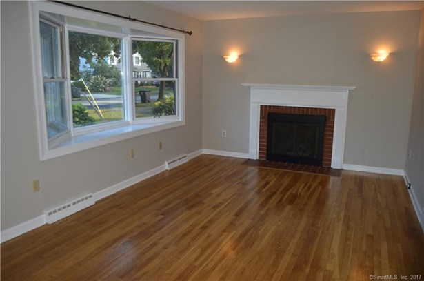 Single Family For Sale, Cape Cod - Milford, CT (photo 3)