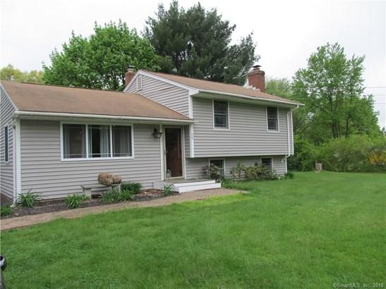 Single Family For Sale, Split Level - Wallingford, CT (photo 1)