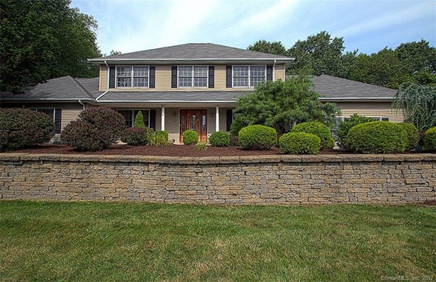 Single Family For Sale, Colonial - Cheshire, CT (photo 2)