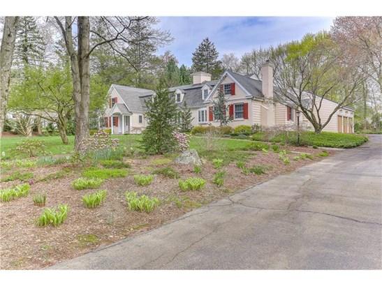 Single Family For Sale, Cape Cod - North Haven, CT (photo 2)