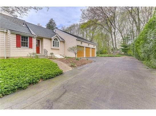 Single Family For Sale, Cape Cod - North Haven, CT (photo 3)