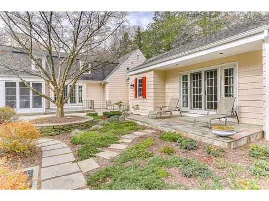 Single Family For Sale, Cape Cod - North Haven, CT (photo 5)