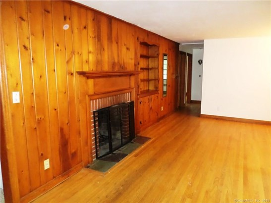 Single Family For Sale, Ranch - Hamden, CT (photo 3)