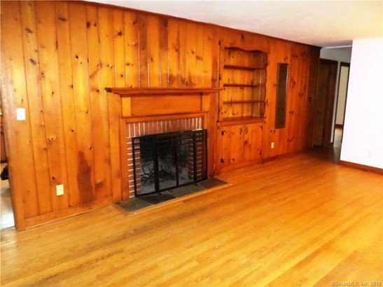Single Family For Sale, Ranch - Hamden, CT (photo 4)