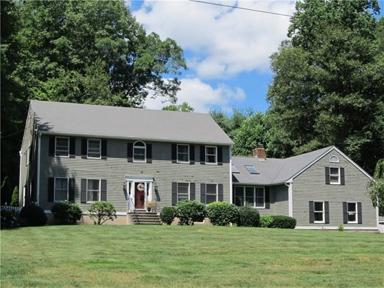 Single Family For Sale, Colonial - Hamden, CT (photo 2)