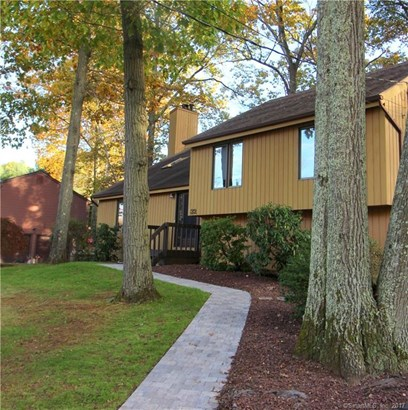Single Family For Sale, Contemporary - Hamden, CT (photo 2)