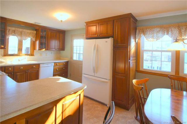 7 Fieldcrest Lane, Hamden, CT - USA (photo 5)