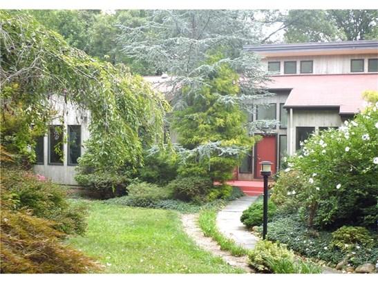 Single Family For Sale, Contemporary,Ranch - Hamden, CT (photo 1)