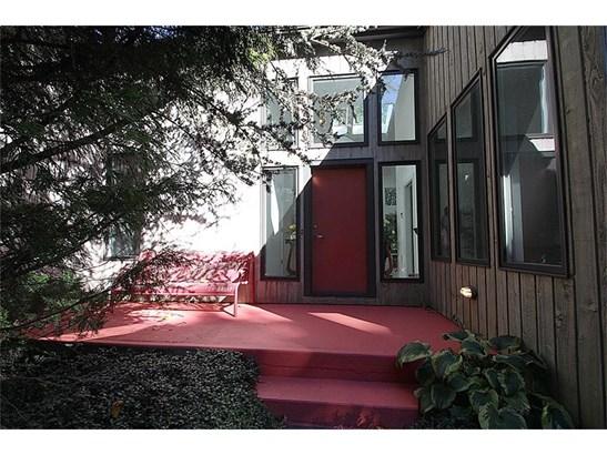 Single Family For Sale, Contemporary,Ranch - Hamden, CT (photo 2)