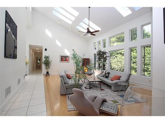 Single Family For Sale, Contemporary,Ranch - Hamden, CT (photo 4)