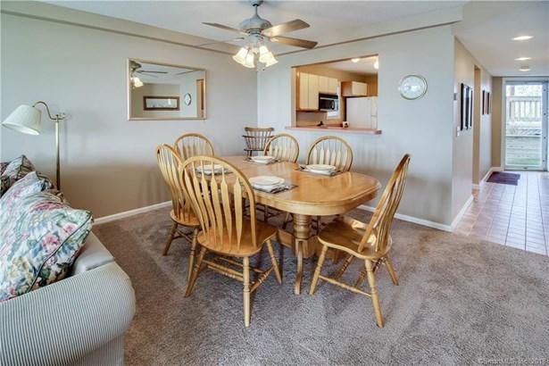 Condominium, Ranch - East Haven, CT (photo 4)