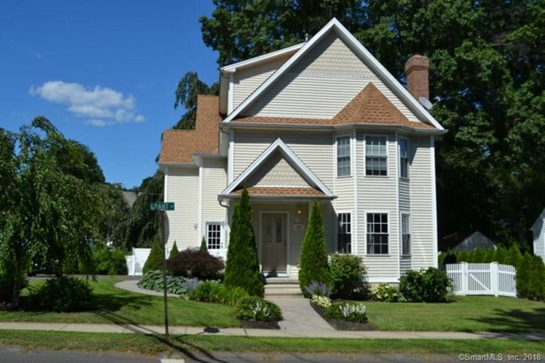Single Family For Sale, Colonial - Milford, CT (photo 1)