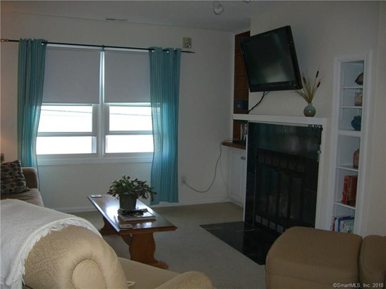 Condominium, Ranch - East Haven, CT (photo 5)