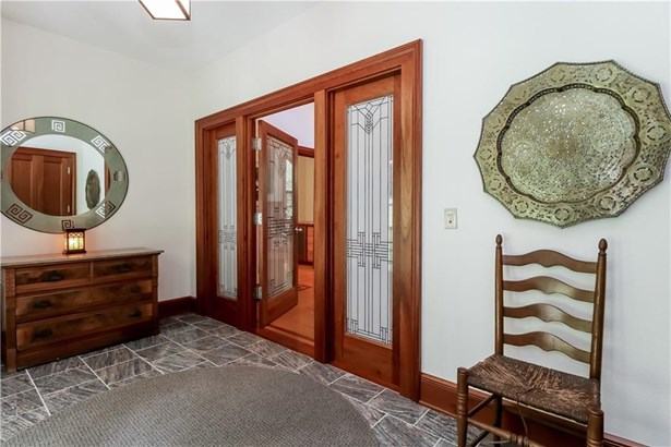Single Family For Sale, Colonial,Contemporary - Hamden, CT (photo 3)