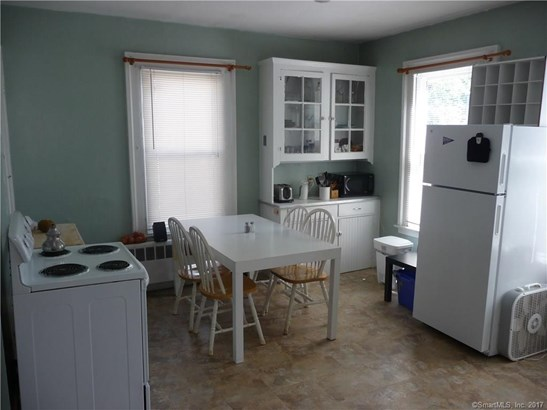 Units on different Floors, 2 Family - New Haven, CT (photo 2)