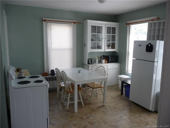 Units on different Floors, 2 Family - New Haven, CT (photo 3)