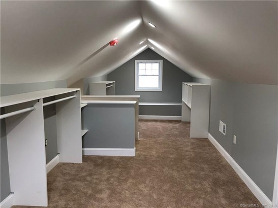 Single Family For Sale, Colonial - Chester, CT (photo 4)