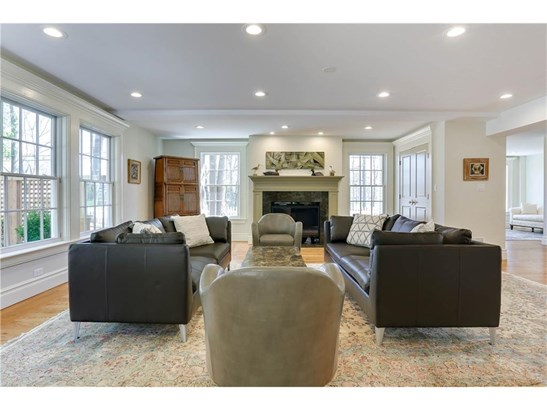 Single Family For Sale, Colonial - Madison, CT (photo 5)