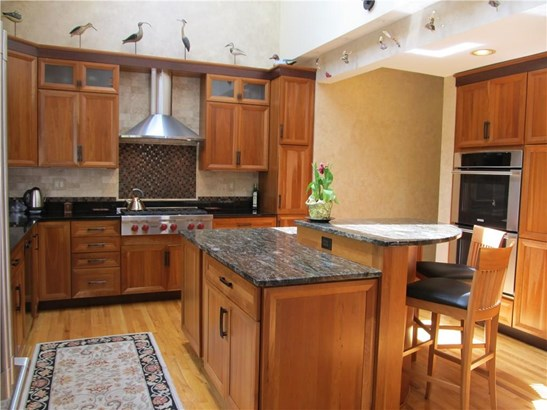 Single Family For Sale, Contemporary - Hamden, CT (photo 4)