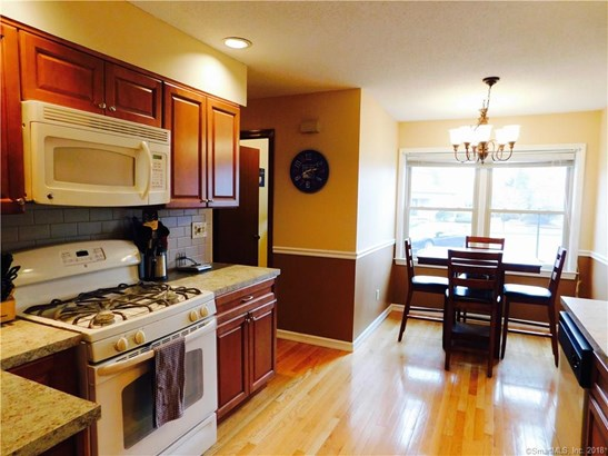 Townhouse, Condominium Rental - East Haven, CT (photo 2)