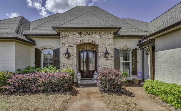 French Acadian, Detached - Flowood, MS