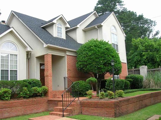Townhome, Traditional - Jackson, MS (photo 2)