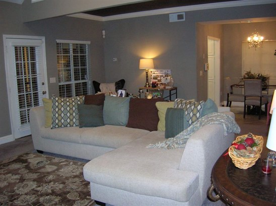 Townhome, Traditional - Jackson, MS (photo 4)