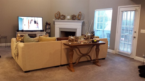 Townhome, Traditional - Jackson, MS (photo 5)