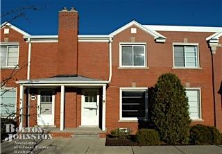 Townhouse, Attached - Grosse Pointe, MI (photo 1)