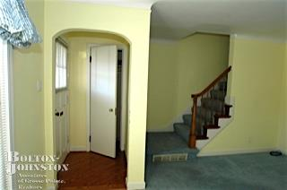 Townhouse, Attached - Grosse Pointe, MI (photo 4)