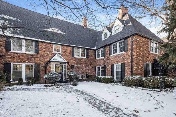 Townhouse, Residential - Grosse Pointe, MI (photo 1)