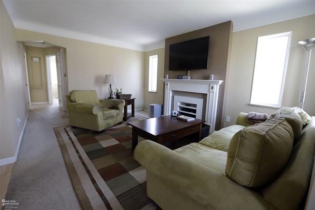 Residential, Bungalow - Harper Woods, MI (photo 2)