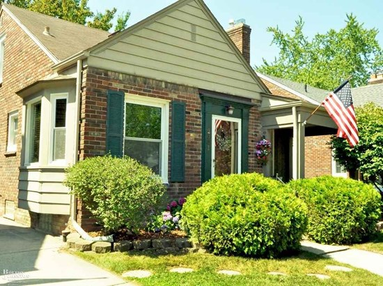 Residential, Bungalow - Grosse Pointe Woods, MI (photo 2)