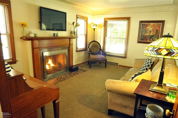 Residential, Bungalow - Grosse Pointe Woods, MI (photo 5)