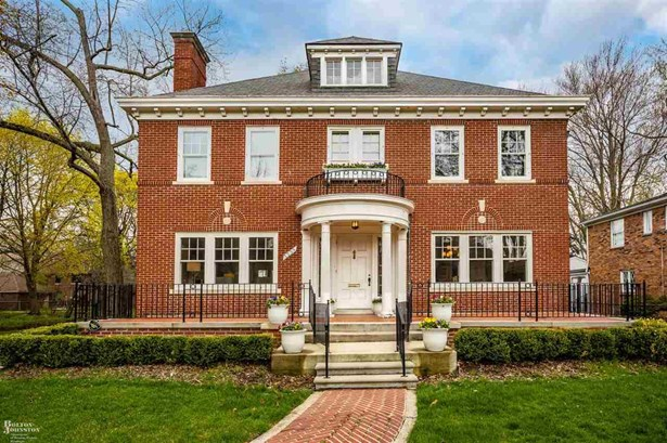 Residential, Colonial - Grosse Pointe Park, MI
