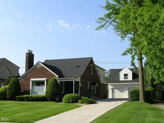 Residential, Bungalow - Grosse Pointe Woods, MI (photo 1)