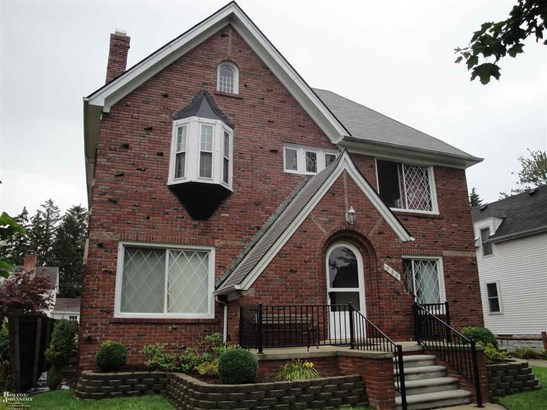 Colonial, 1 to 4 Units - Grosse Pointe, MI (photo 1)