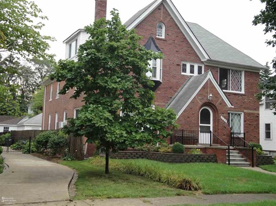 Colonial, 1 to 4 Units - Grosse Pointe, MI (photo 2)