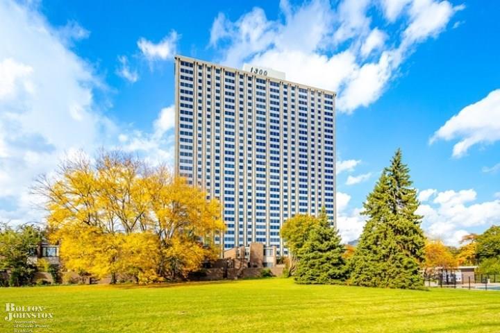 Condominium, End Unit - Detroit, MI
