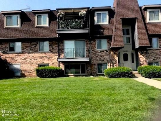 Condominium, Ranch - Saint Clair Shores, MI