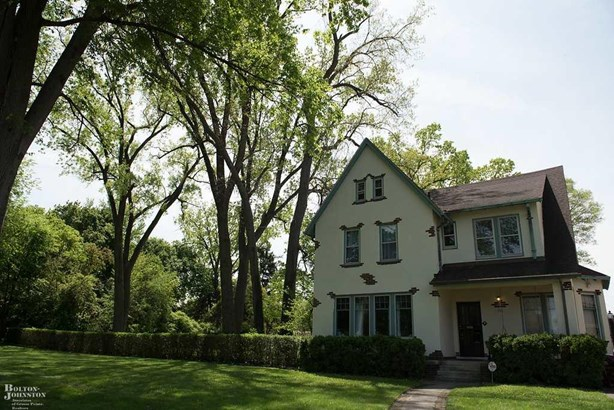 Residential, Colonial - Detroit, MI
