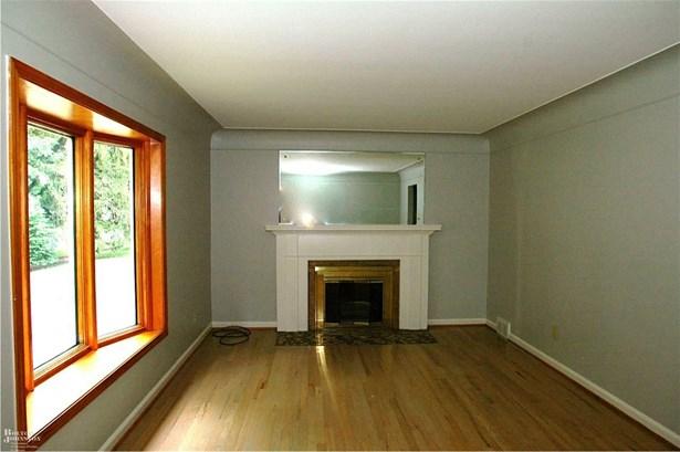 Residential, Ranch - Grosse Pointe, MI (photo 2)