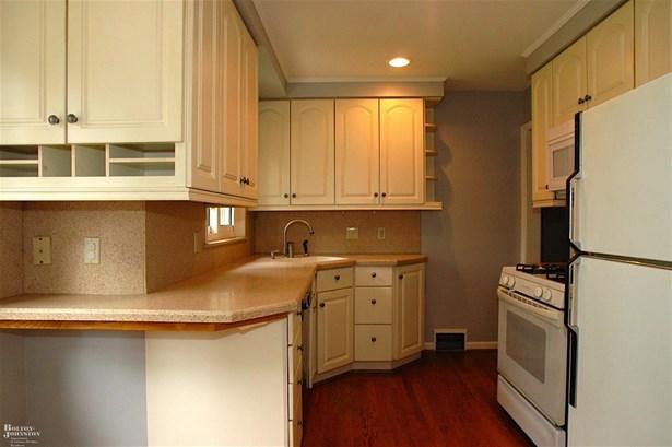 Residential, Ranch - Grosse Pointe, MI (photo 3)