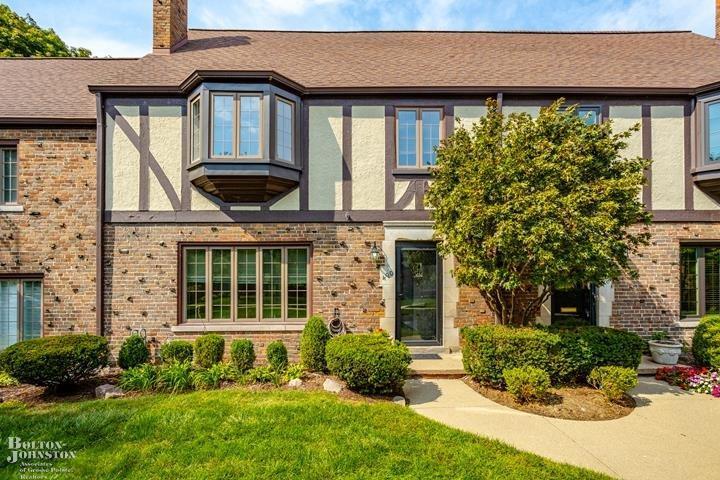 Tudor, Condominium - Grosse Pointe, MI