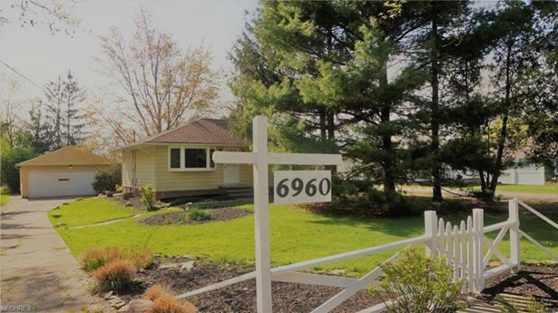 6960 Fry Rd, Middleburg Heights, OH - USA (photo 2)